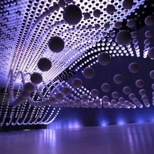 Shanghai-Spheres-Kinetic-Sculpture-2-feeldesain